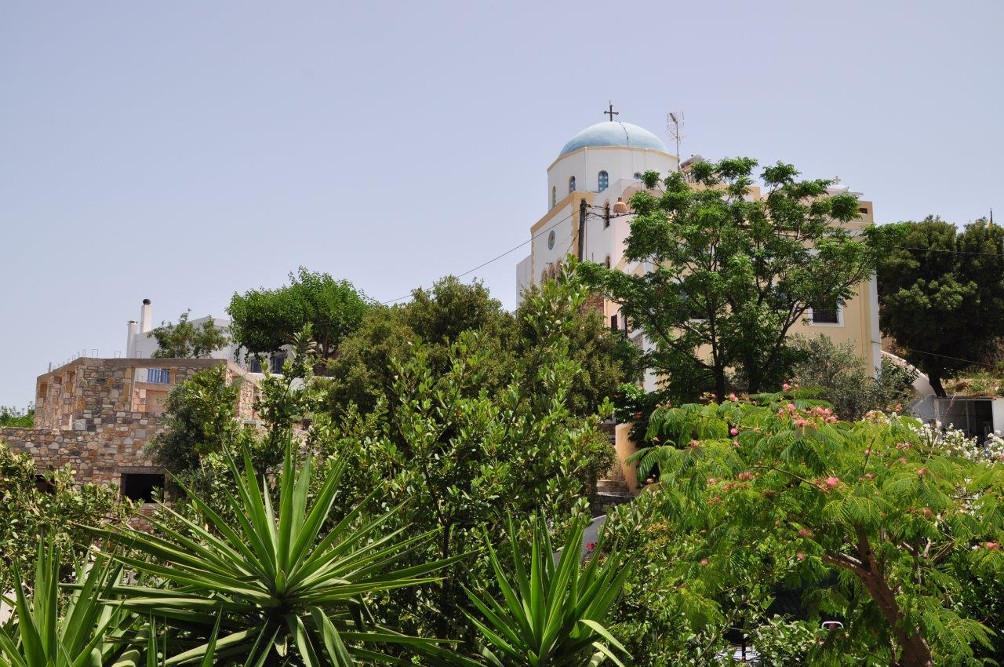 Blick auf die Kirche Evangelismoú tis Theotókou in Lagoudi