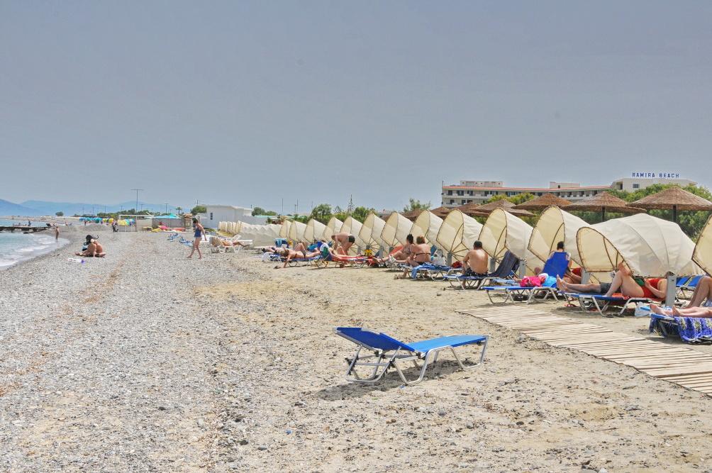 Strand von Psalidi beim Kipriotis Panorama Hotel & Suites