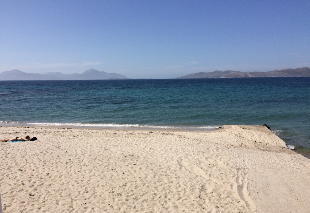 Marmari Beach beim Ortszentrum von Marmári