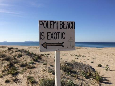 Hinweisschild zur Polemi Beach